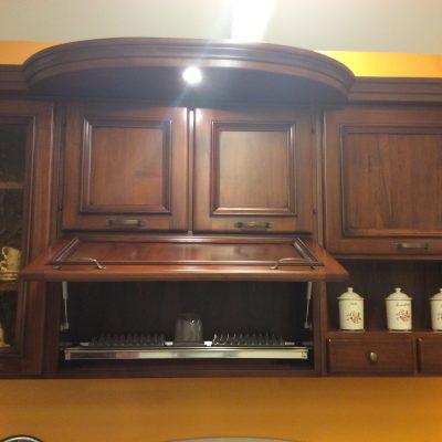 Cucina-classica-angolo-muratura-noce-massello-nazionale-artigianale (2)
