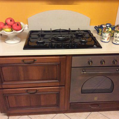 Cucina-classica-angolo-muratura-noce-massello-nazionale-artigianale (4)