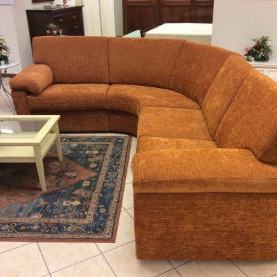 Divano-arancione-angolare-moderno-angolo-arrotondato (2)