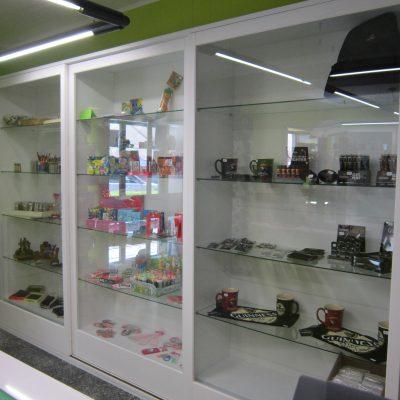 arredamenti su misura per negozi (3)