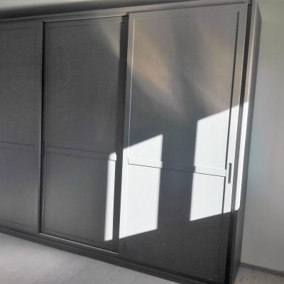 camera-artigianale-legno-massello-moderna-grigio-bianca-laccata-torino-polonghera-cuneo-(7)