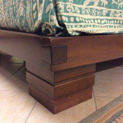 camera-moderna-legno-massello-noce-artigianale (1)
