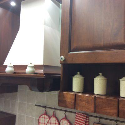 cucina-dritta-lineare-artigianale-noce-intarsiata-legno (3)