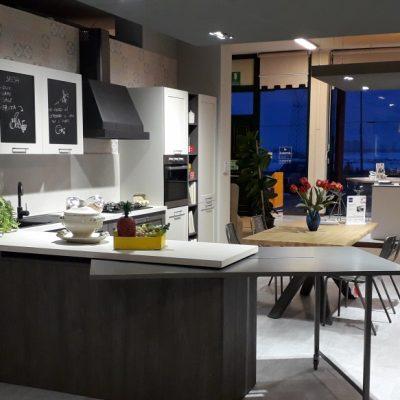 cucina-industrial-rovere-pet-tavolo-estraibile (4)