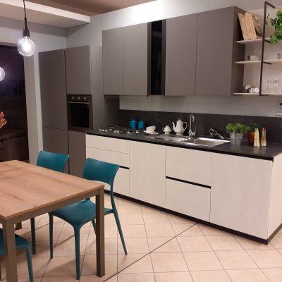 cucina-stosa-evolution-metropolis-pet-cemento (1)