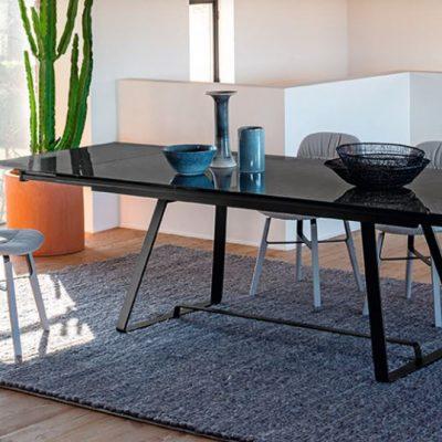 sedie-tavoli-complementi-made-initaly-allungabili-vetro-legno-ecopelle-imbottite (5)