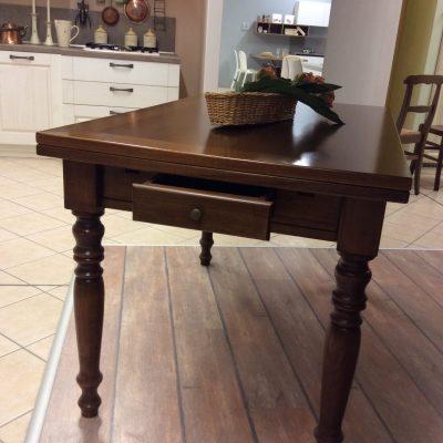 tavolo-classico-cucina-legno-noce-mattarello-cassetto (1)