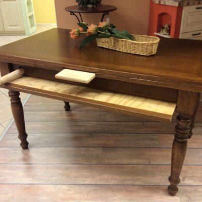 tavolo-classico-cucina-legno-noce-mattarello-cassetto (3)